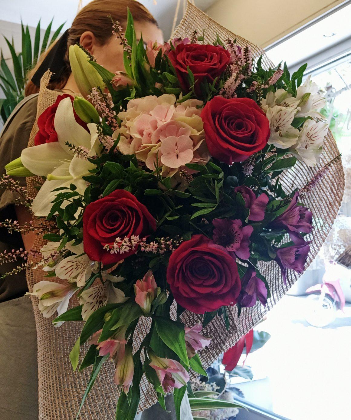 ramo rosas lilium flors sant gervasi